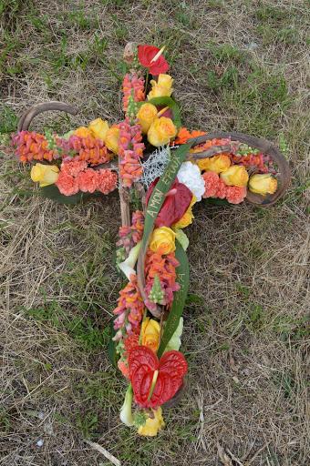 Croix sépulture